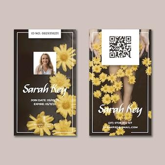 Salon piękności kwiatowy identyfikator karty