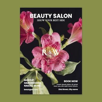 Salon piękności kwiatowy pionowy szablon ulotki