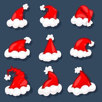 Santa kapelusze ikony kreskówka zestaw na białym tle na niebiesko