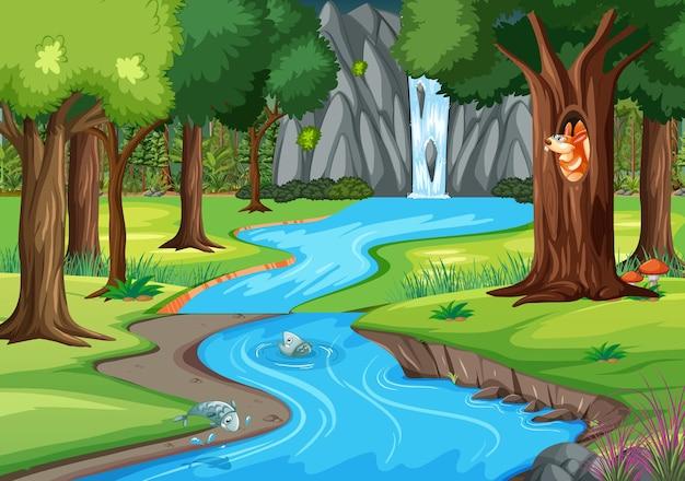 Scena dżungli z wieloma drzewami i wodospadem
