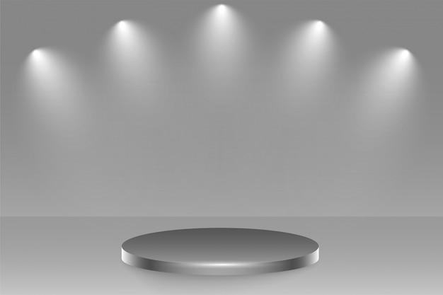 Scena na podium z naciskiem na reflektory