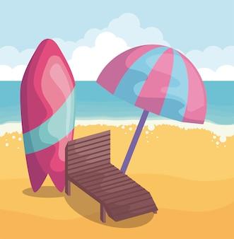 Scena plaży latem z krzesłem i deską surfingową