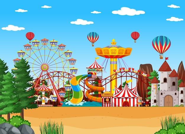 Scena W Parku Rozrywki W Ciągu Dnia Z Balonami Na Niebie Premium Wektorów