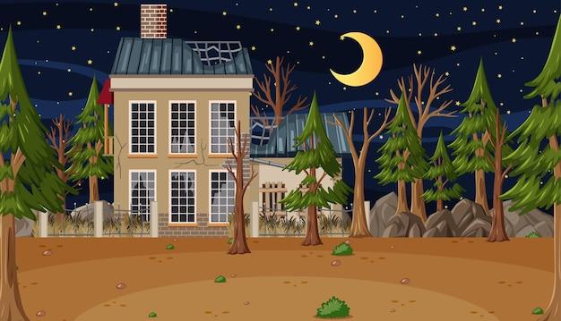 Scena z opuszczonym domem w ciemnym lesie