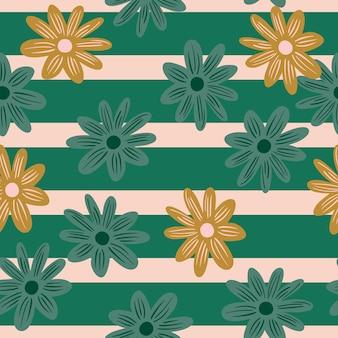 Sezon letni wzór z losowymi doodle kwiatowe stokrotki. pasiaste tło. projekt graficzny do owijania tekstur papieru i tkanin. ilustracja wektorowa.