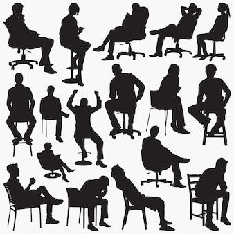 Siedzące sylwetki