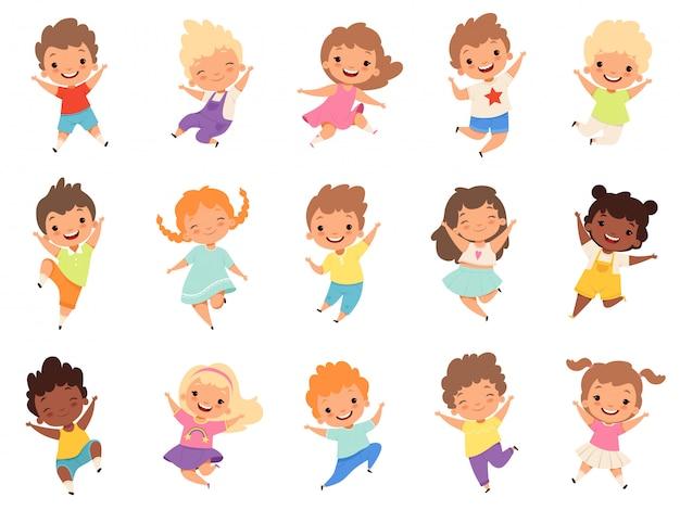 Skaczące dzieci. szczęśliwe, zabawne dzieci bawiące się i skaczące w różnych akcjach stanowią edukację małych postaci z zespołu