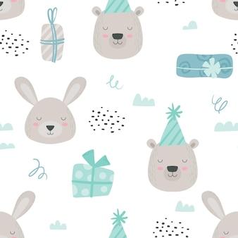 Skandynawskie pluszowe zwierzęta wzór. tło dziecka z słodkim misiem i królikiem w urodziny kapelusze i pudełka. chłopiec niebieski kolorowy papier lub tkanina woodland. ilustracja kreskówka wektor