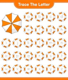Śledź list. śledzenie listu z parasolem plażowym. gra edukacyjna dla dzieci, arkusz do druku, ilustracja wektorowa
