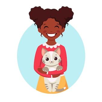 Śliczna afroamerykańska dziewczyna trzyma kota w dłoniach czarna dziewczyna ze zwierzakiem