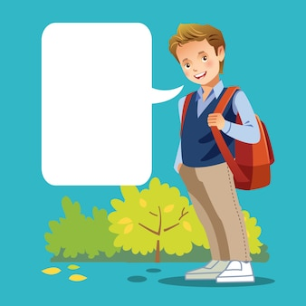 Śliczna chłopiec iść do szkoły z pustym mowa bąblem