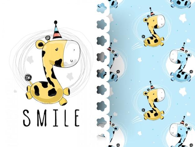 Śliczna dziecko żyrafa ono uśmiecha się z deseniowym tłem