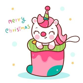 Śliczna jednorożec kreskówka w świątecznej skarpecie kawaii zwierzę
