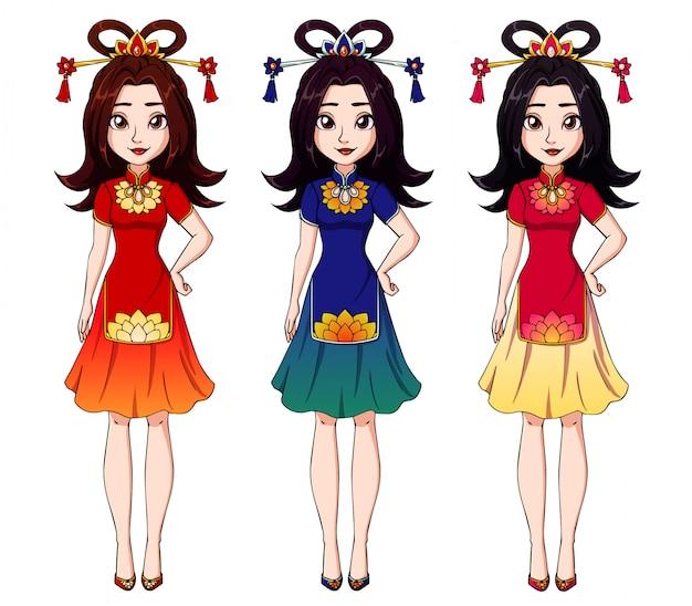 Śliczna kreskówki dziewczyna jest ubranym chińską tradycyjną suknię.