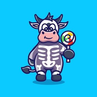 Śliczna krowa ubrana w szkieletowy kostium na halloween i niosąca lizaka