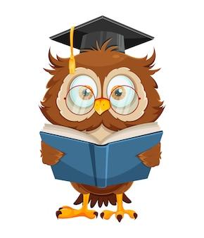 Śliczna mądra sowa czytająca książkę zabawna postać z kreskówki sowy powrót do koncepcji szkoły