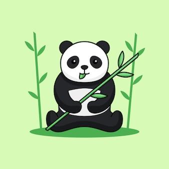 Śliczna panda siedzi, je liść i trzyma bambusową łodygę na tle lasu.