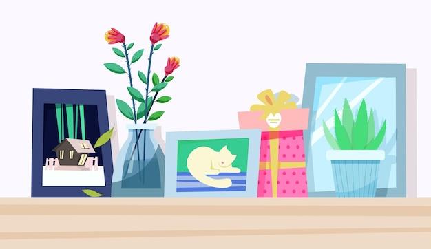 Śliczna półka z ramką na zdjęcia i elementami dekoracyjnymi