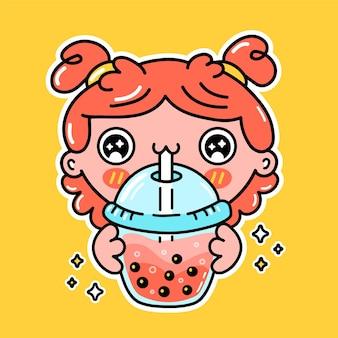 Śliczna zabawna dziewczyna pije herbatę bąbelkową z kubka