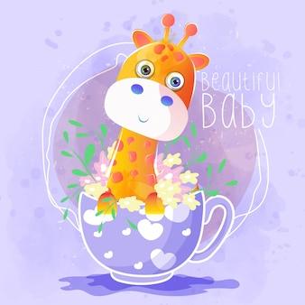 Śliczna żyrafa w herbacianej filiżance