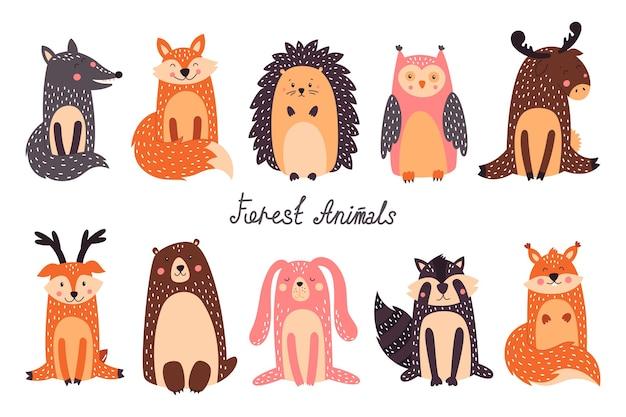 Śliczne zwierzęta leśne i elementy projektu lasu
