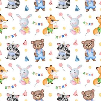 Ślicznej kreskówki urodzinowych lasowych zwierząt bezszwowy wzór na białym tle. przyjęcie urodzinowe z małym lisem, królikiem, szopem i niedźwiedziem