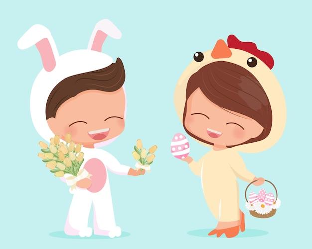 Śliczni szczęśliwi mieszkanie stylu potomstwa dobierają się w wielkanocnego królika i kurczątka kostiumu ilustraci