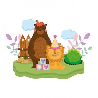 Śliczny i mały lew z imprezowym kapeluszem