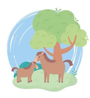 Śliczny koń i źrebię drzewo krzew trawa kreskówka zwierzęta w naturalnym krajobrazie