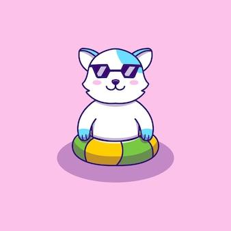 Śliczny kot relaksujący i pływający z gumowym pierścieniem
