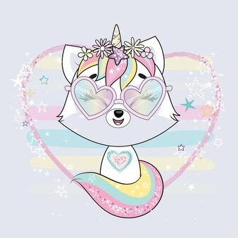 Śliczny mały biały kot jednorożec lub caticorn. pastelowe, delikatne kolory.