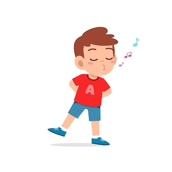 Śliczny mały chłopiec stoi i gwiżdże z ustami