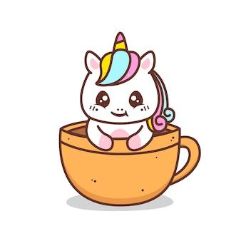 Śliczny mały jednorożec w filiżance kawy