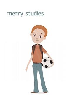 Śliczny stojący uśmiechnięty chłopiec szkolny z rudymi włosami, tornister na ramionach i piłką nożną w dłoni. ilustracja kreskówka. pojedynczo na białym tle