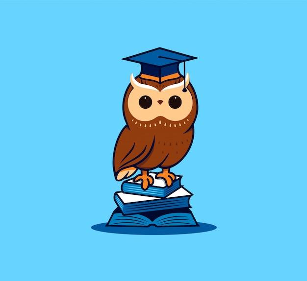 Śliczny uczeń sowy z książkami. postać z kreskówki, logo