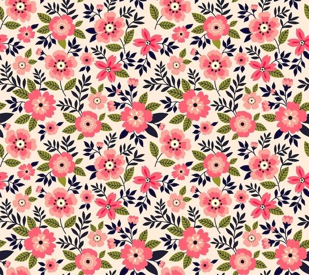 Śliczny wzór w małe różowe kwiatki.