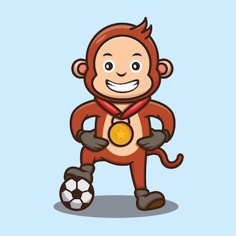 Słodka małpa wygrywa grę w piłkę nożną