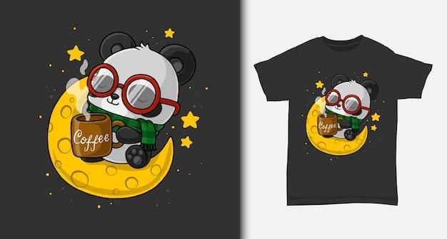 Słodka panda delektuje się kawą na księżycu. z projektem koszulki.