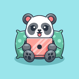 Słodka panda grająca w kreskówki na laptopie