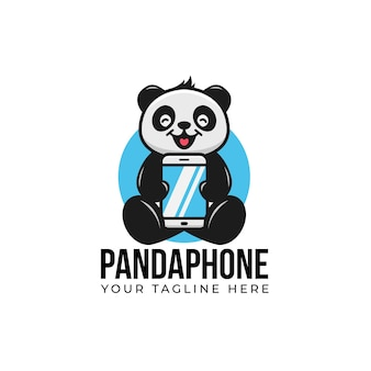 Słodka panda kreskówka uśmiechnij się i przytrzymaj gadżet smartfona maskotka z logo telefonu