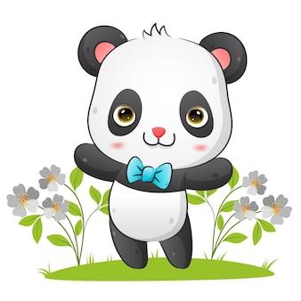 Słodka panda z krawatem tańczy z ilustracją szczęśliwej twarzy