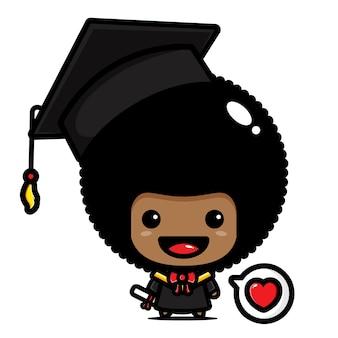 Słodki kawaler afro chłopca w dniu ukończenia szkoły