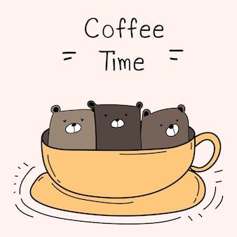 Słodki miś w pucharze. czas na kawę