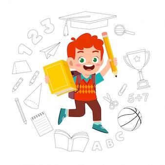 Słodkie dziecko chłopiec z powrotem do karty szkoły