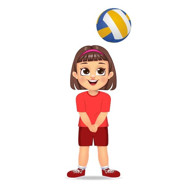 Słodkie dziecko gra w siatkówkę