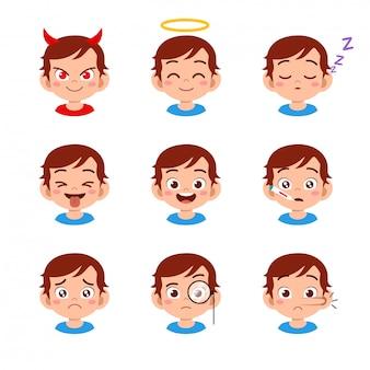 Słodkie dziecko z różnymi wyrazami twarzy