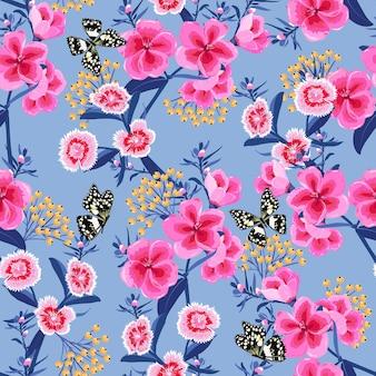Słodkie kwitnące różowe kwiaty łąki w ogrodzie