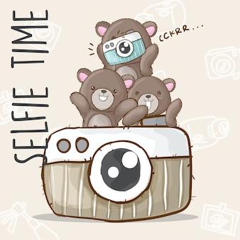 Słodkie niedźwiedź selfie ręcznie rysowane zwierząt