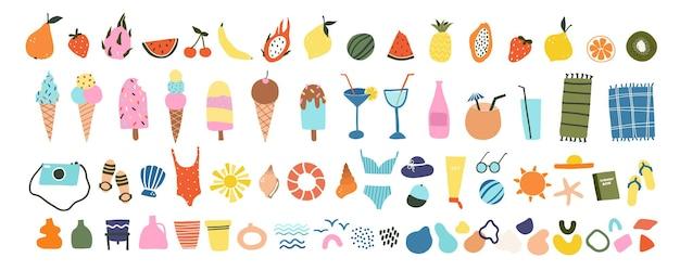 Słodkie ręcznie rysowane ikony lato owoce, lody, koktajle, artykuły plażowe. przytulny skandynawski styl hygge na pocztówkę, kartkę z życzeniami. ilustracja wektorowa w stylu płaskiej kreskówki