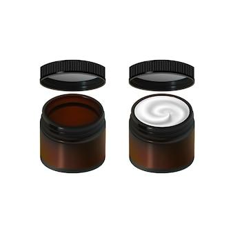 Słoik śmietany na białym tle. pakiet produktów do pielęgnacji skóry. kolorowy szklany słoik